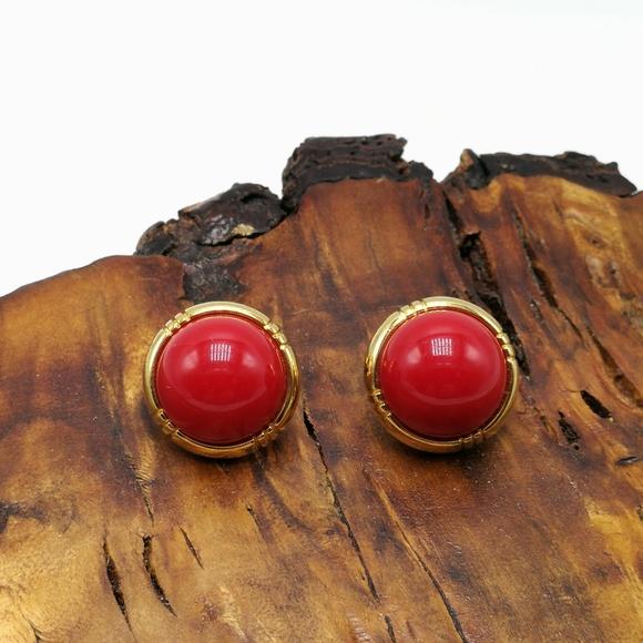 Vintage Jewelry - Vintage Monet dainty minimal red acrylic round